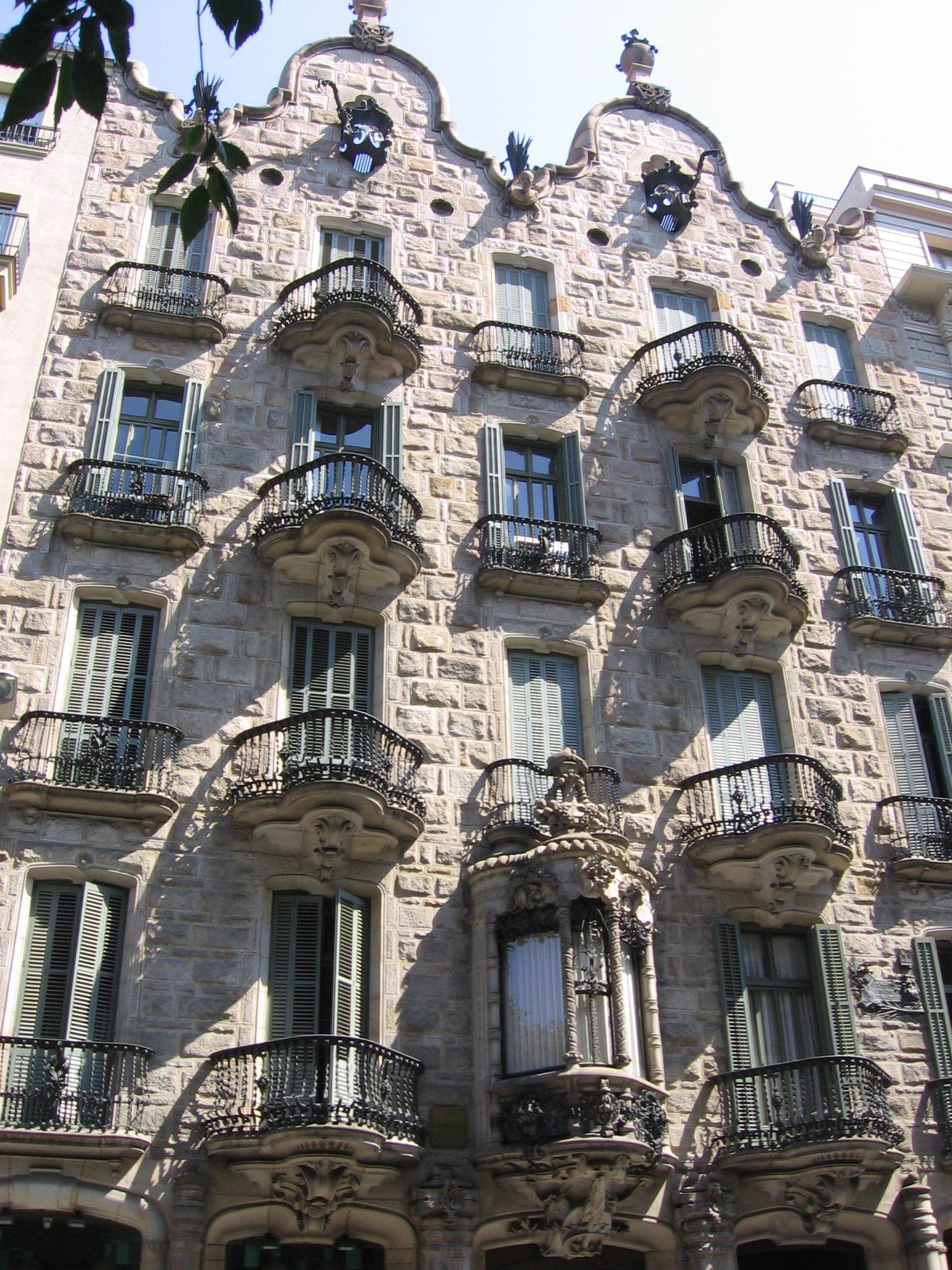 Casa calvet l 39 opera pi conservatrice di antonio gaud for Costruisci tu stesso piani di casa