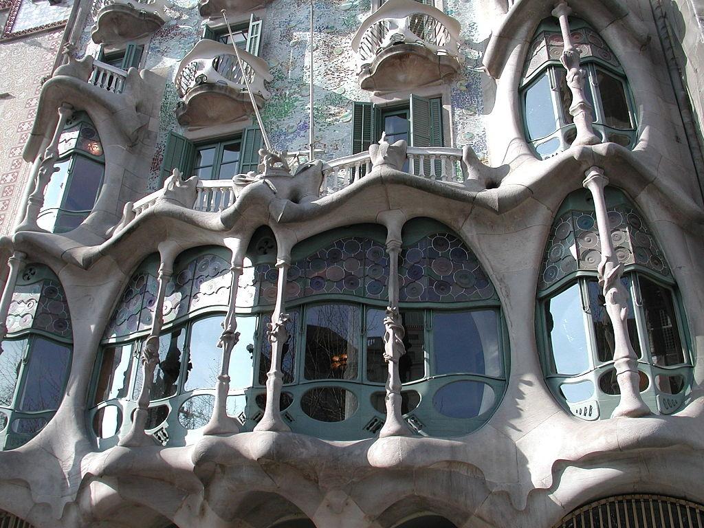 Casa batll - Art nouveau architecture de barcelone revisitee ...