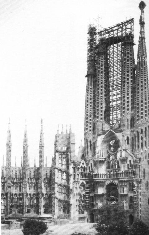 La Chiesa della Sagrada Familia nel 1928