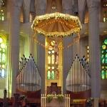 Il presbiterio e l'organo