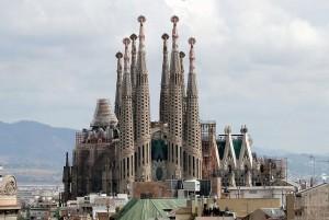 Vista-della-Cattedrale-dalla-Casa-Milà